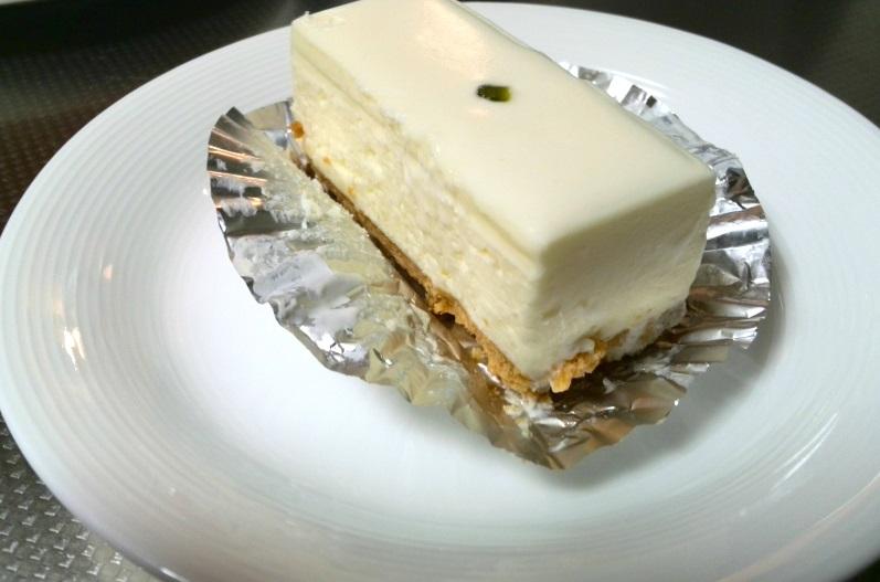 西洋菓子しろたえ 赤坂 レアチーズ